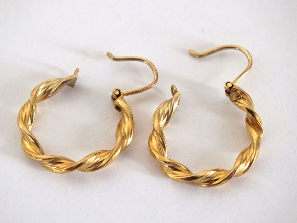 Rope Twist Hoop Earrings For Pierced Ears 0.375 / 9ct  Gold