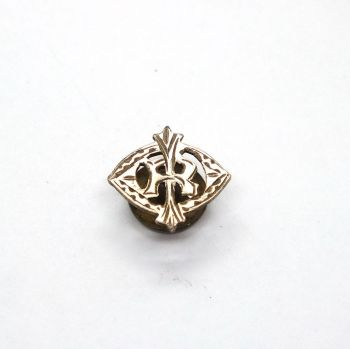 Monogram Buttonhole Badge R