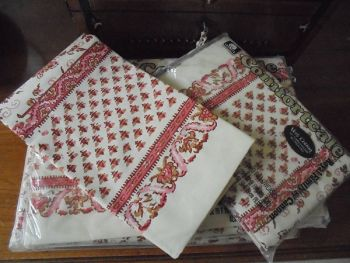 Confortcale Brand Bed Linens, Sheets And Pillowcase Set By Cannon, Royal Family Design. Circa 1970s Vintage.