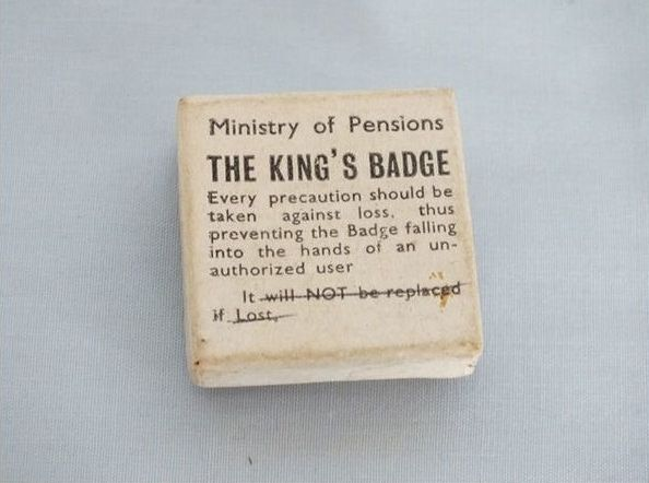 Ministry Of Pensions Box For The Kings Badge