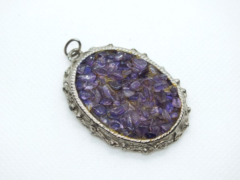 Necklace Pendant, Silvertone Set With Amethyst Coloured Chips
