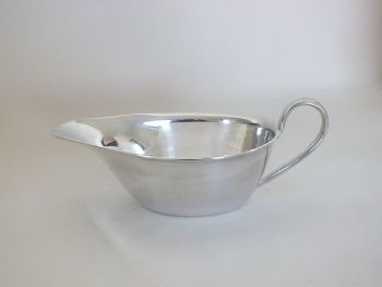 Sauce Boat, Gravy Boat Dish, Classic Mid Century Shape And Design (Lot 2)