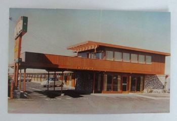USA: The Continental Motel, Salinas, California. 1950 / 60s Postcard