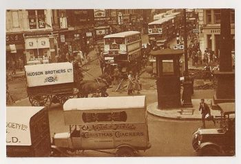London: 1936 Street View, Chaos At Ludgate Circus. Nostalgia Reproduction Postcard