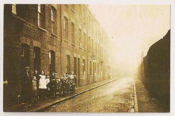 London: Gales Garden, Bethnal Green Street View, 1923. Nostalgia Reproduction Postcard