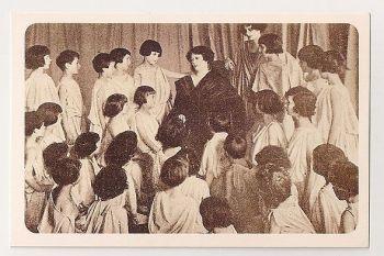 Isadora Duncan, 1922. Nostalgia Reproduction Postcard