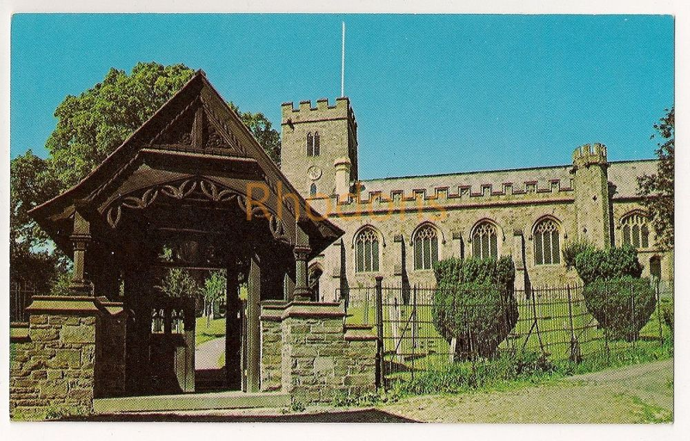 Somerset: The Anglican Church of All Saints in Dulverton. Colour Photo Postcard
