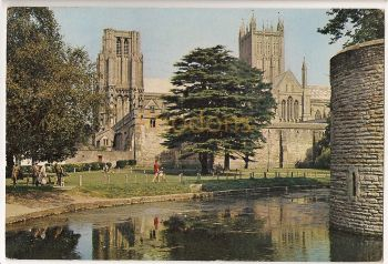 England: Somerset. Bishops Palace Moat, Wells. Colour Photo Postcard
