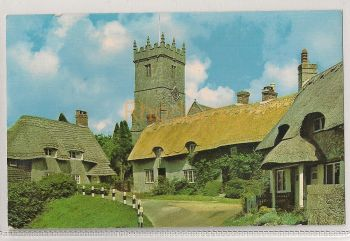 England: Isle Of Wight IOW. Godshill Church And Old Cottages Colour Photo Postcard