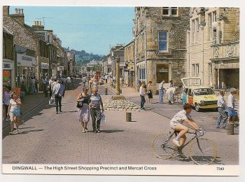 Scotland: Ross-shire. Dingwall High Street Shopping Precinct And Mercat Cross, Colour Photo Postcard