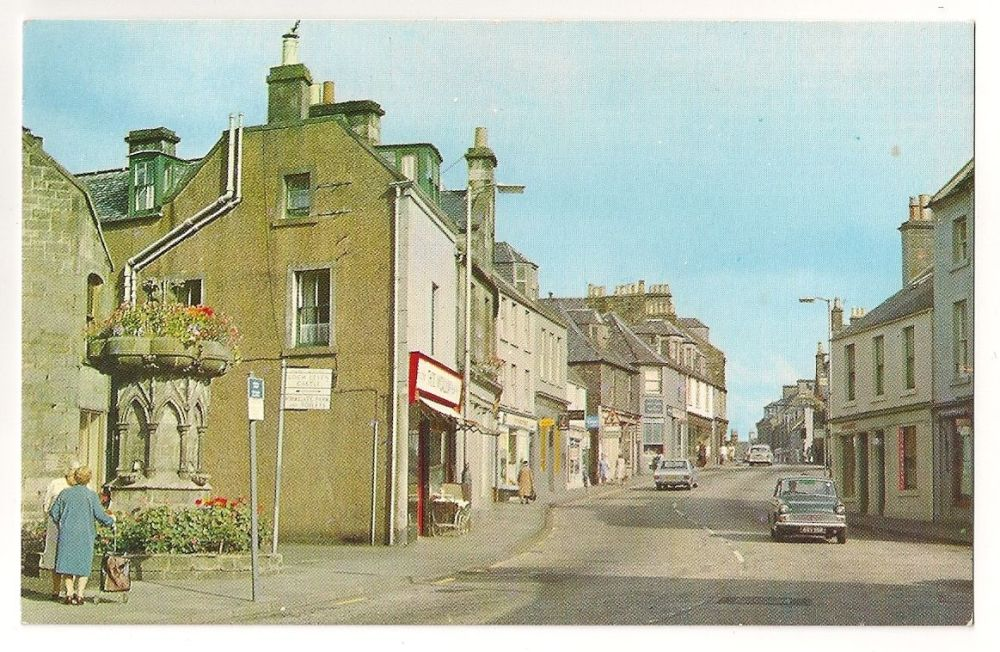 Scotland: Perthshire. Kinross High Street Looking North. Colour Photo Postcard