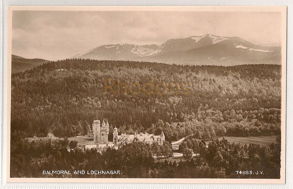 Scotland: Aberdeenshire. Balmoral And Lochnagar. Real Photo Postcard