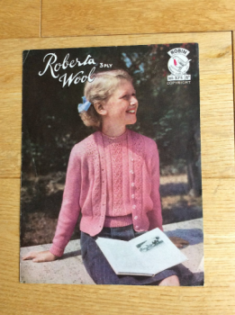 Robin Knitting Pattern For Girl's Twin Set - No 375. Circa 1950s