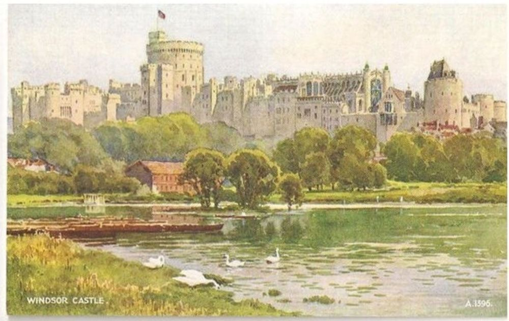 England: Berkshire. Windsor Castle - Valentines Art Colour Postcard (A1396)