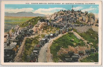 USA: California. Mt Rubidoux, Riverside, California. Sunrise Services, Easter Sunday. Circa 1920s