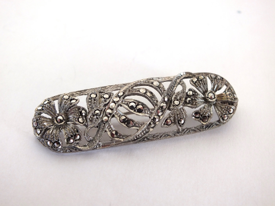 Silver Marcasite Bar Brooch Art Deco Design