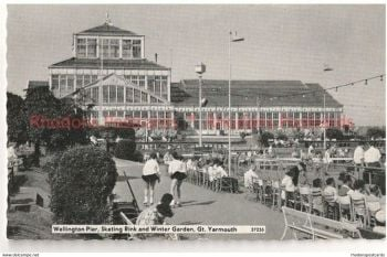 England: Norfolk. Wellington Pier, Skating Rink & Winter Garden, Great Yarmouth. 1950s Photo View Postcard