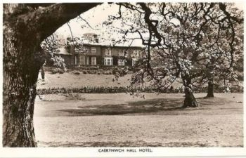 Wales: Caerynwch Hall Hotel, Dollgellau. 1950s Real Photo Postcard