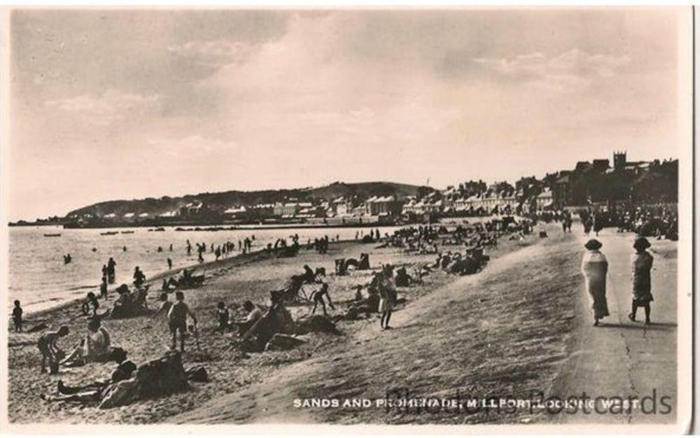 Scotland: Ayrshire. Millport Sands & Promenade -1940s Real Photo Postcard