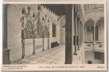 Spain: Barcelona, Vist Parcial De La Galeria Del Patio De S Jorge. Real Photo Postcard