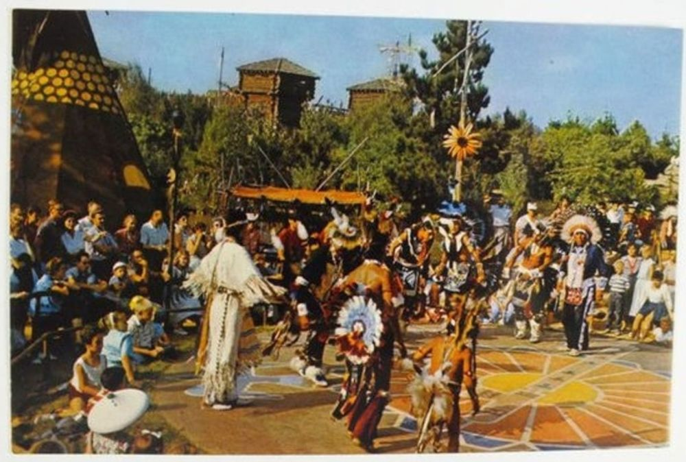 USA: Disney Magic Kingdom Postcard: A Frontierland Indian Village