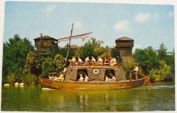 USA: California, Disney Magic Kingdom, Keel Boat Frontierland Postcard