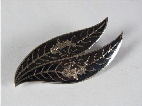 Vintage Thai 925 Silver Niello Leaf Brooch or Necklace Pendant