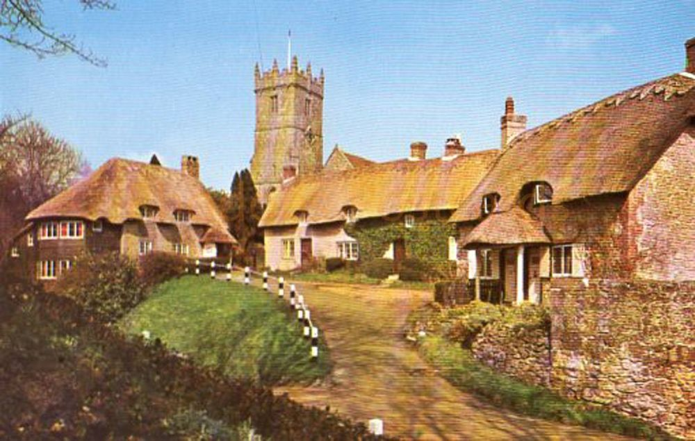 Isle of Wight: The Church And Old Cottages Godshill, IOW