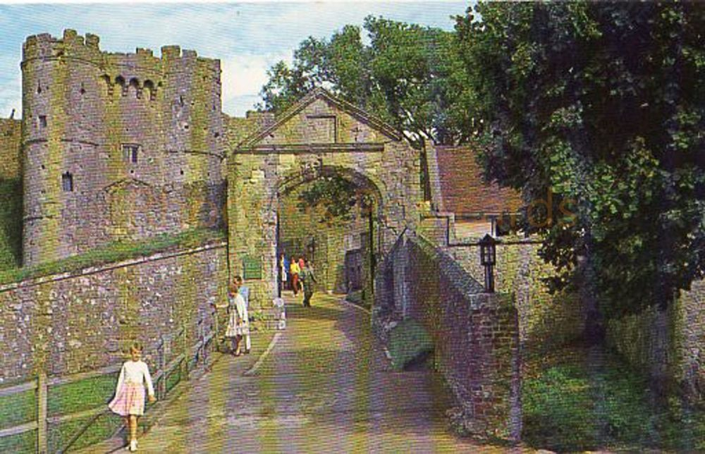 Isle of Wight, Carisbrooke Castle - W J Nigh & Sons Colour Postcard