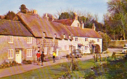 Isle of Wight, Winkle Street, Calbourne  Colour Postcard
