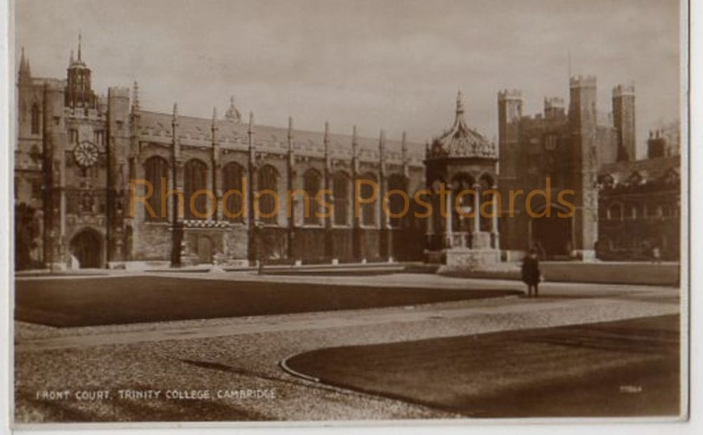 Cambridgeshire. Front Court Trinity College, Cambridge. 1930s RP Postcard. Genealogy Research Interest - Gale Family