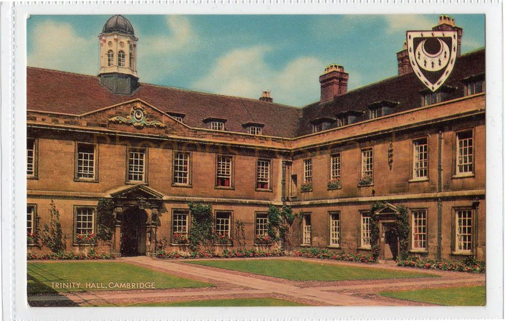 Cambridgeshire: Trinity Hall, Cambridge Colour Photo Postcard