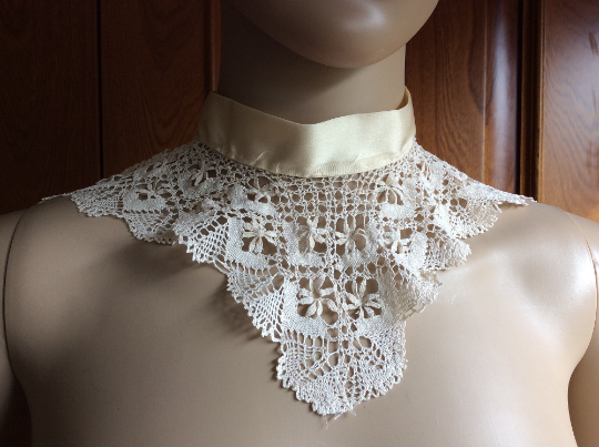 Victorian High Collar - Handmade Honey Coloured Silk Bobbin Lace