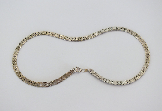 """Flat Link Costume Necklace Silvertone White Metal 17.25"""""""