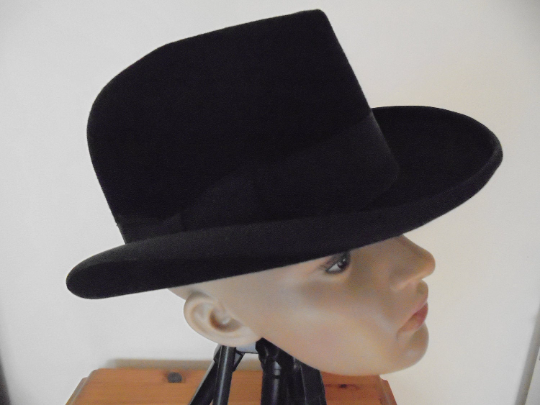 Homburg Hat  Circa 1940s