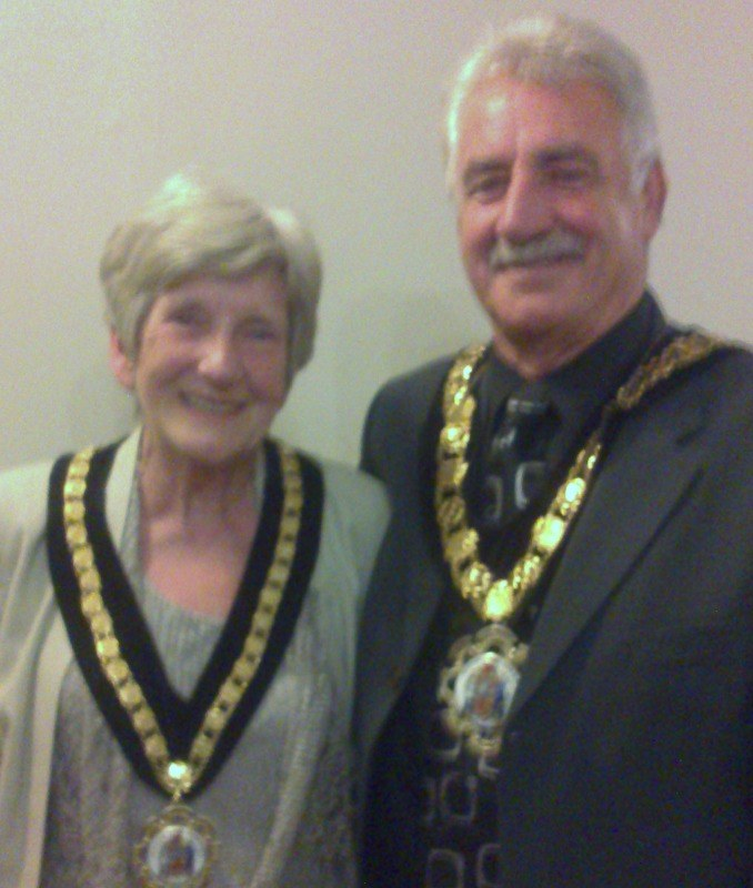 mayor of rct and wife