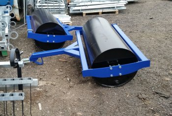 Grass flat balast roll 1.5m water fillable with scraper. Fitted with 50mm ball hitch 50mm tow hitch or eye
