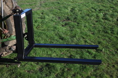 Three point linkage Pallet forks