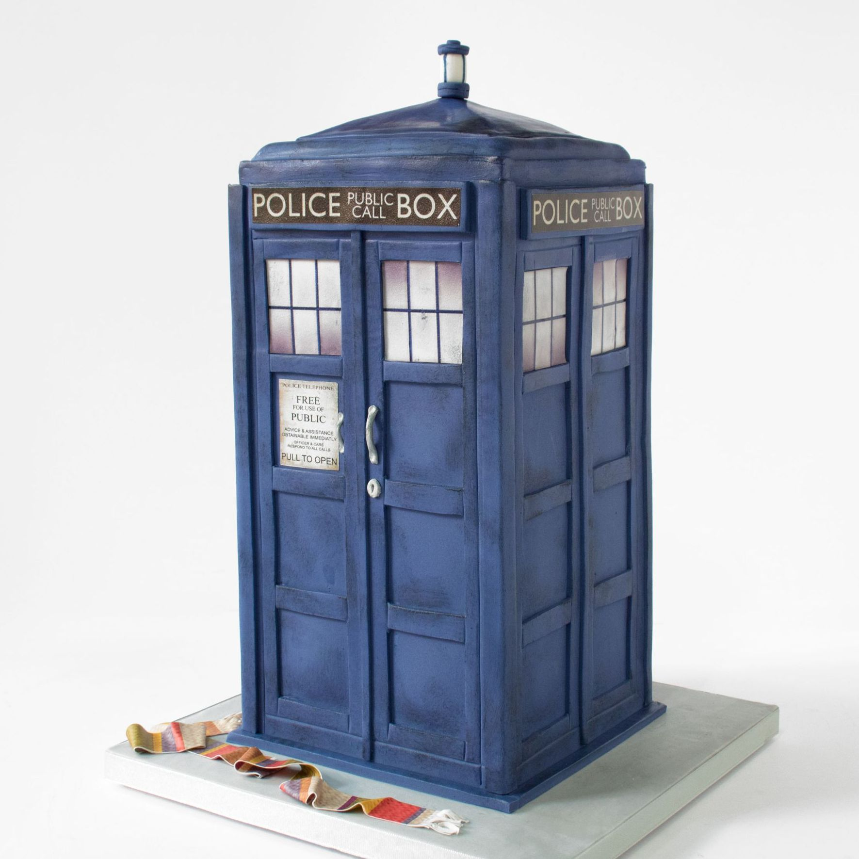 Dr Who Tardis birthday cake