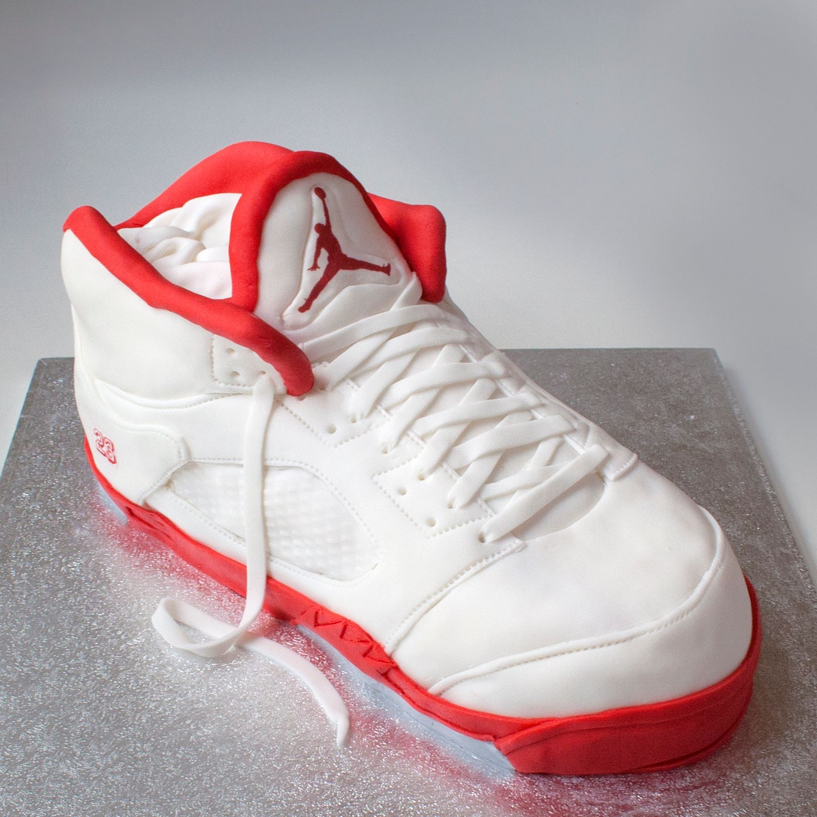 Illusion  Shoe Cake Trainer Nike Air Jordan