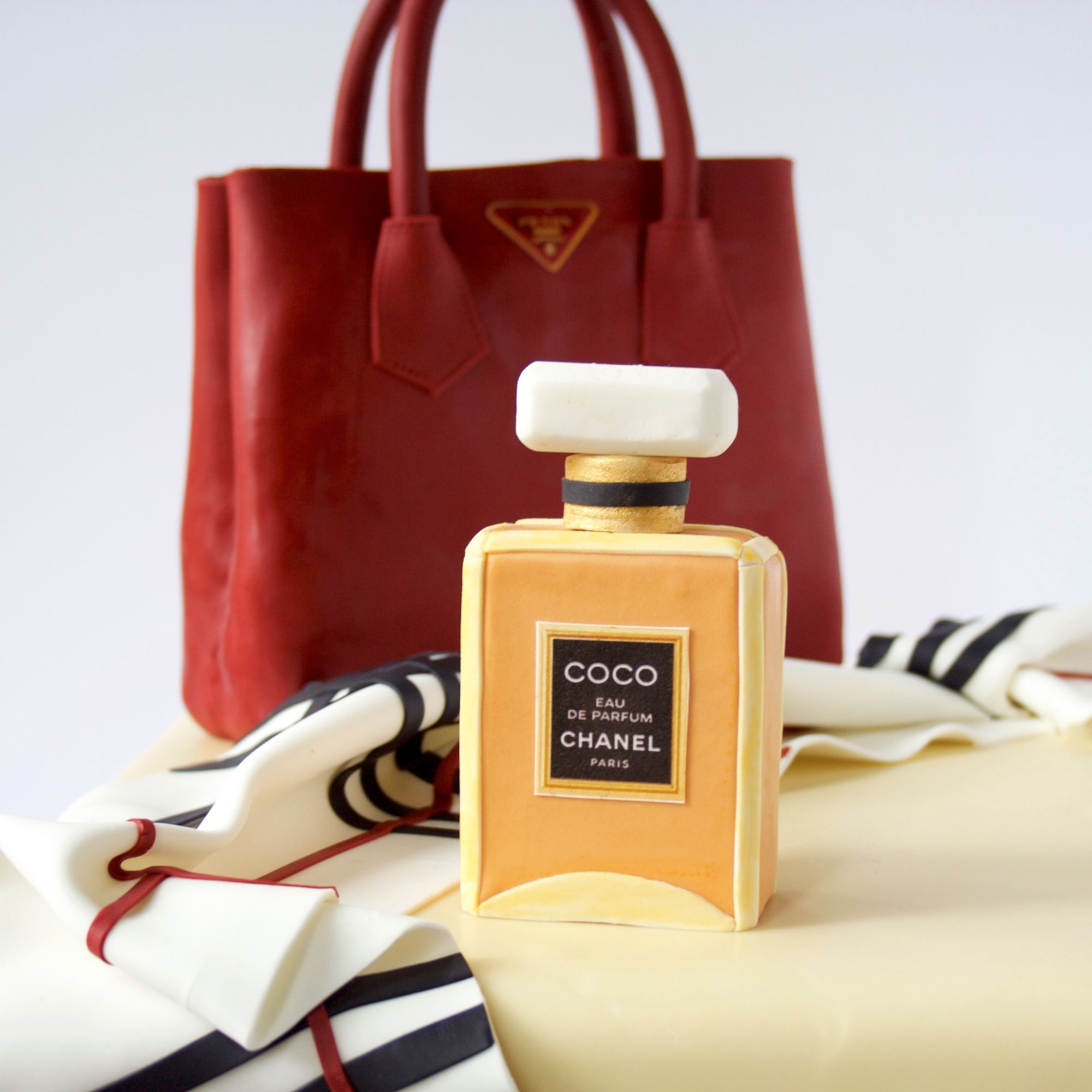 1287 - Fashion Illusion Cake Chanel parfume Prada bag Burberry scarf