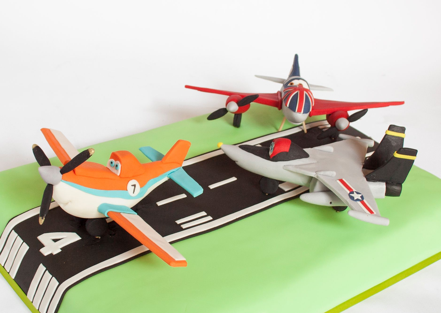 DISNEY PLANES BIRTHDAY CAKE DUSTY & FRIENDS