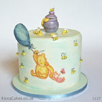 1127 - winnie the pooh painted cake