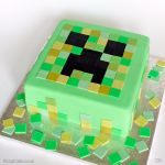 1234-Minecraft-Creeper-Face-Cake-webw
