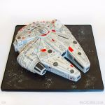 1224-Millennium-Falcon-Spaceship--Star-Wars-Cake-webw