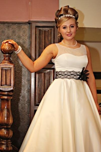 Calla:Garland Tiara with Swarovski Pearls