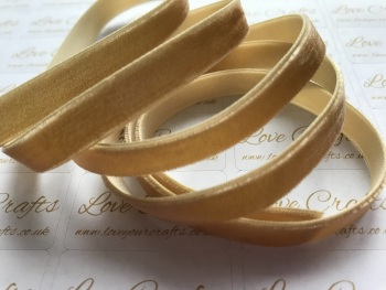 9mm Velvet Ribbon - #693 Pale Gold