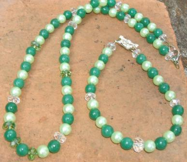 Green Aventurine + glass pearl necklace + bracelet