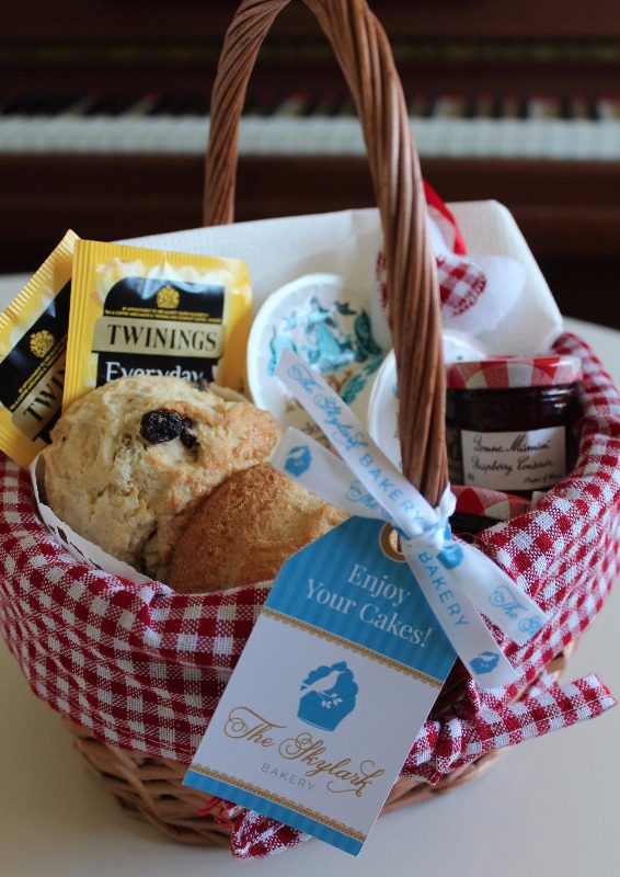 cream tea basket