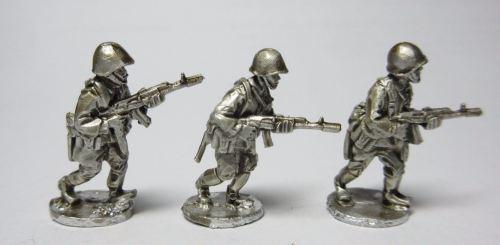 CWR24 Soviet AK74 riflemen advancing set B